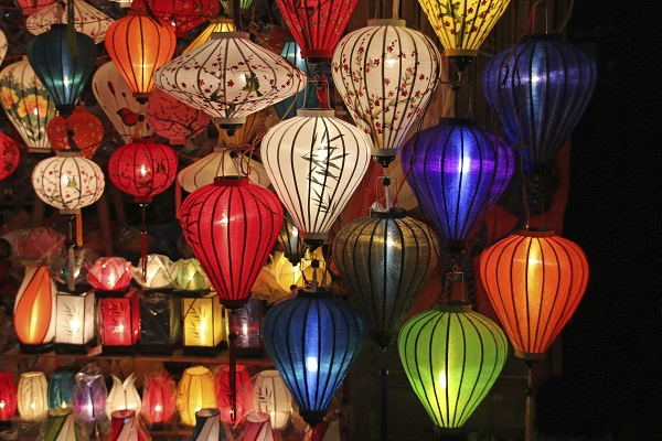 Barter, Bargain and Budget in Hoian
