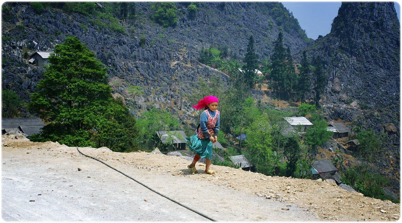 An ethnic girl I met along the way to Ha Giang