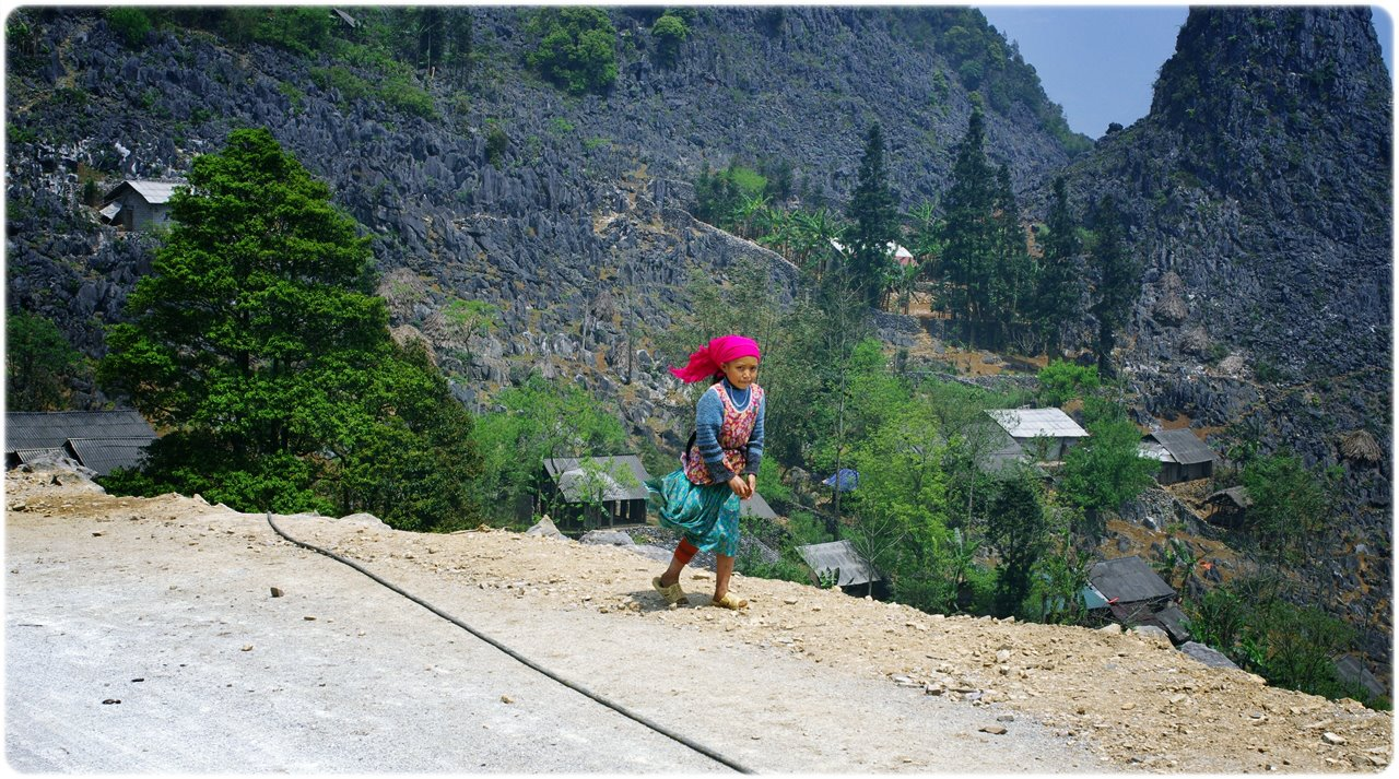 An ethnic girl I met along the way to Ha Giang