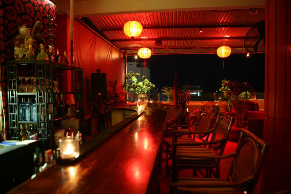 The Rooftop Lounge tại Hà Van Hotel - hướng dẫn Việt Nam