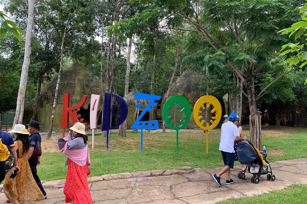 Kid Zoo area for children to interact with several animals